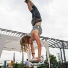 Marcus / Handstand / Foto: K. Schmidt / SALZIG Sporthocker