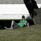 JayJay48 chillt im Park / Foto: Lodde Wagner