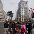 Ampelstop am Potsdamer Platz / HockHart / SALZIG Sporthocker / Photo: Stephan Landschütz