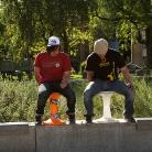 Stefan und Felix hocken / Foto: S. Landschuetz