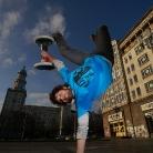TJ / Handstand in Berlin / SALZIG Sporthocker / Berlin 2014 / Photo: Stephan Landschütz